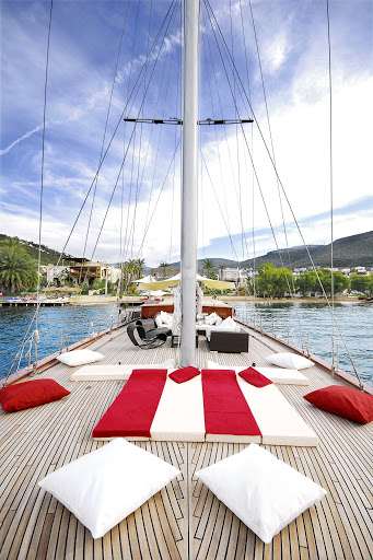 Luxury Sailing in Phuket