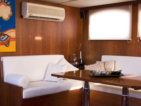 Luxury Yachting - Sailing the Orient Pearl