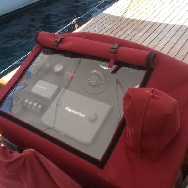 Luxury Yachting - Raymarine Chart Plotter