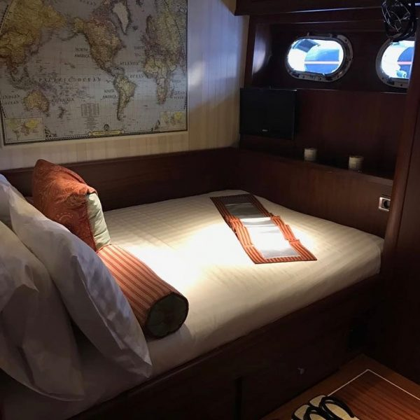 Double bedroom of the Orient Pearl