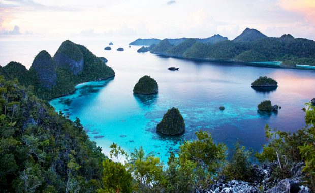 Incredible Indonesia – Luxury Yacht Charters
